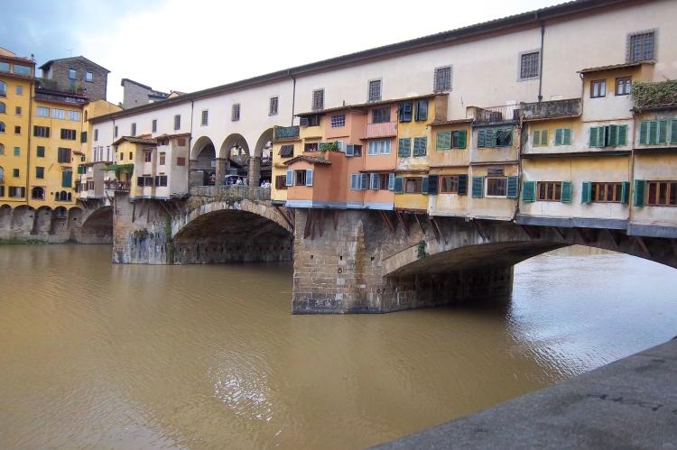 Ponte Vecchio (Old Bridge) over the Arno River in Florence, Italy